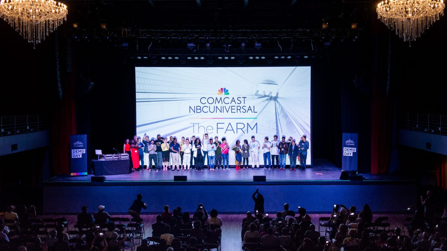 10 Teams from The Farm's Inaugural Demo Day Get Standing Ovation from the Crowd